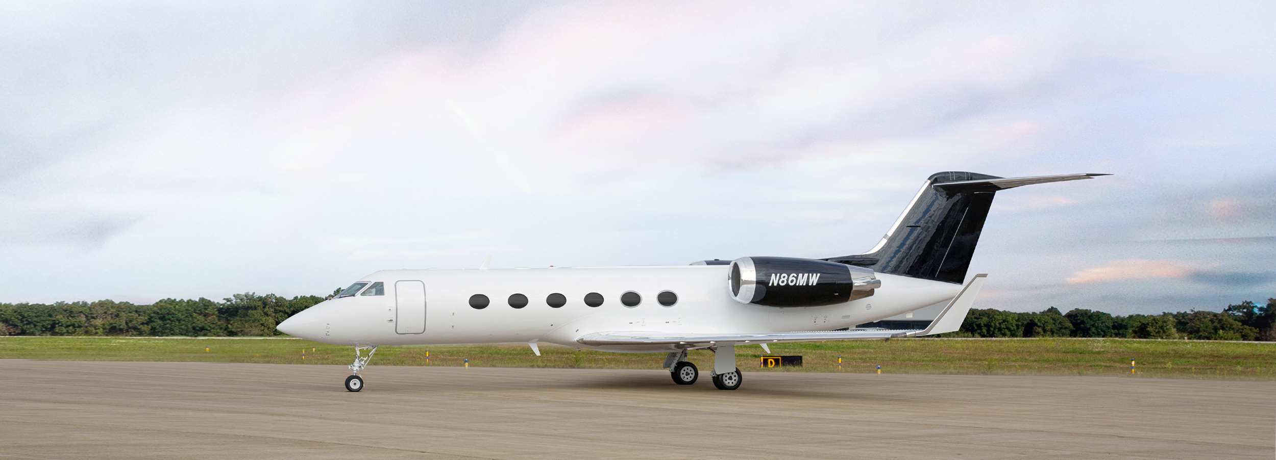 picture of jet exterior